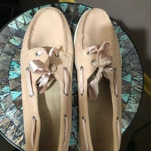 Women's size 9 Sperry loafers